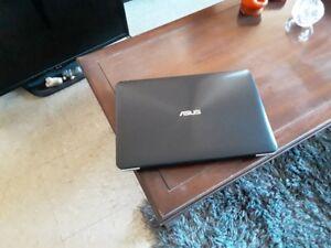 mint condition asus f555l laptop
