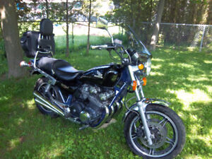 1982 honda nighthawk 750cc,67560 kms.runs and drives great