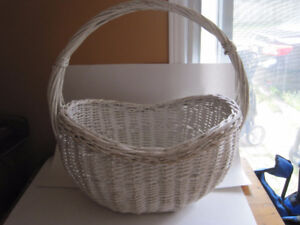 Very Large Basket with Handle