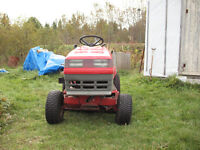SOLD Lawn tractor 12/39 Older Noma Canadiana