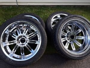 22 inch mag wheels with 305/40/22 tires