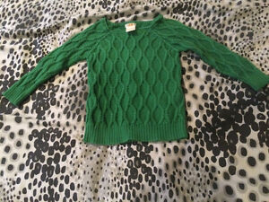 Cute sweater size 2 toddler