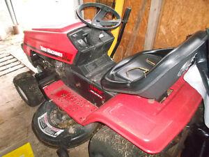 Lawn Tractor Best Offer Gotta Go !! Regina Regina Area image 2