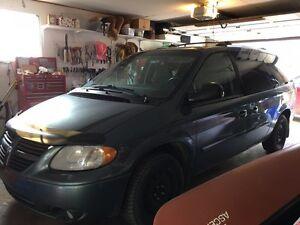 Dodge caravan for parts or mechanics special
