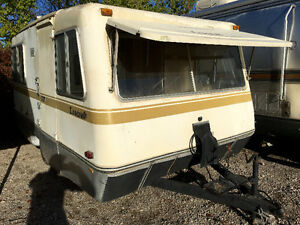 1977 Leocraft Fibreglass Trailer