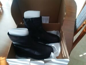 black leather lined side-zip boots with vibram soles Six 8-8.5
