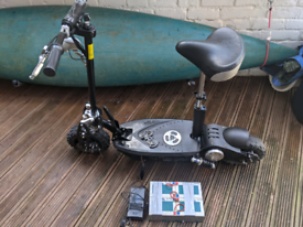 Electric scooter Chaos 100w - with spare battery pack!