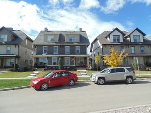 Townhome, Cochrane, 3-level, 3 Bed's+2.5 Baths, Partially furnis