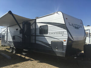 2015 skyline Layton 33 foot 2 bump outs. Sleeps 8. Used 4 times.