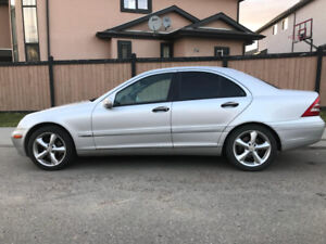 2003 Mercedes Benz C240/4MATIC Perfect Condition no pet/smok