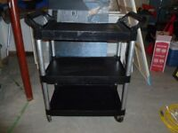 1 Rubbermaid Restaurant Bus Cart
