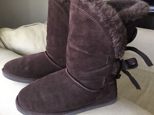 Boots - brown, size 6. Mid calf height