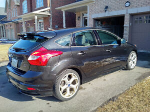 2013 Ford Focus ST Hatchback ***PRICED TO SELL***