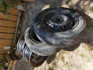 4 Rims and 2 tires 175/65/R15 for Honda Insight 2010