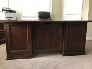 EXECUTIVE DESK & FILING CABINET/BOOK CASE