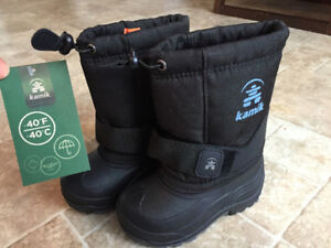Toddler boy or girl Kamik winter boots, size 8, never worn, -40