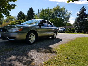 Ford Taurus SEL with valid etest