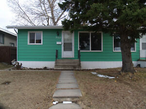 3+1 bedroom whole house in 3122 7th St. E.!!!!!!!!!!!