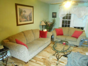WOW!! Lovely Sofa and Love Seat, Very Good Condition.