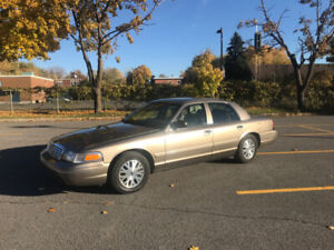 Ford Crown Victoria 2005 LX