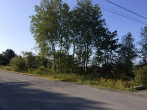 BARGAN PRICE 1/2 AcreServiced lot 5 minutes from center Elmsdale