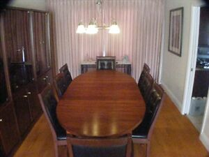 Immaculate 9 piece Rosewood dining room suite