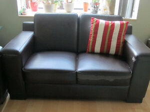 MOBILIA Dark brown leather sofa and loveseat for sale ASAP West Island Greater Montréal image 2