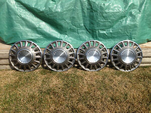 early mustang hubcaps