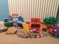 Moshi monster bundle of Playsets, figure & books