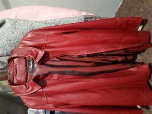 Woman's leather coat xl  never been used.