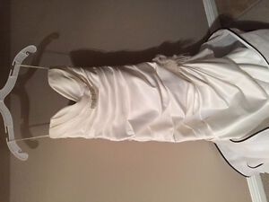 Size 6 wedding dress free to give away
