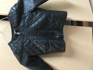 Toddler girls size 2 pleather jacket like new in.m black