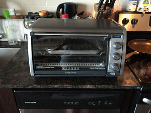 Black and Decker Toaster Oven- Great Condition!
