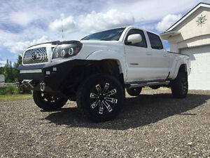 "2008 Toyota Tacoma TRD Sport DCLB – 6"" lift, Plate Bumper, Winch"