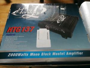 Lanzar Heritage HTG137 - 2000W Amplifier