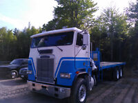 Freightliner COE Flat Deck with 15000lb Boom