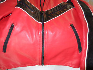 Leather jacket in med.   recycledgear.ca Kawartha Lakes Peterborough Area image 8