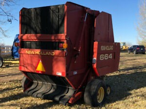 BID NOW - New Holland 664 Round Baler w/Bale Com & P.T.O. Shaft