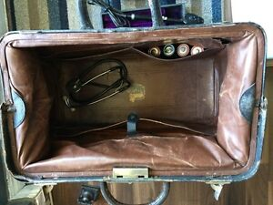 Antique doctor bag and lots more  Windsor Region Ontario image 4