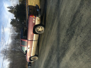 2002 Chevrolet Silverado  (2000obo)drives awesome