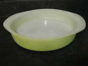 "Vintage Pyrex 221 8"" Round Cake Pan Light Lime Green"