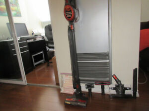 UPRIGHT CORDED SHARK VACUUM. In excellents condition 2 years old