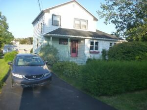 Sweet Woodlawn Dartmouth Home.  BELOW MARKET RENT
