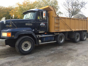 1998 MACK CL700 TRIAXLE, DUMP, READY TO GO, PRIVATE SALE