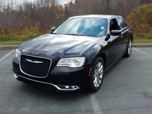 2017 Chrysler 300 PLATINUM AWD!!!!!