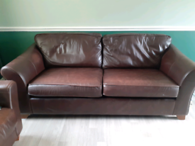 4 seater and 2 seater brown leather sofa