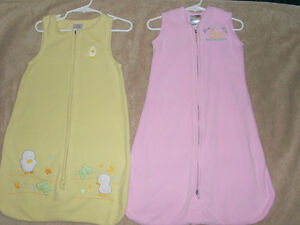 Set of 2 Sleepsacks - Halo & Love'n Cuddles size Small 0-6 mo