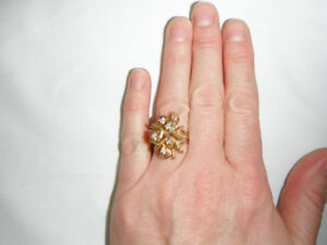 Vintage 70s Ladies Ring Size 8, 18kt Electroplated over sterling