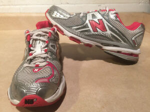 Women's New Balance Cabzorb FL Running Shoes Size 10 London Ontario image 1