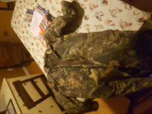 Red head mossy oak xl one piece